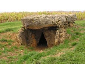 Le dolmen néolithique de la Ganguille à Saint-Marcel