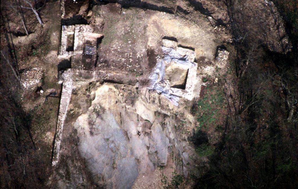 Le Château des Fées lors de la fouille.